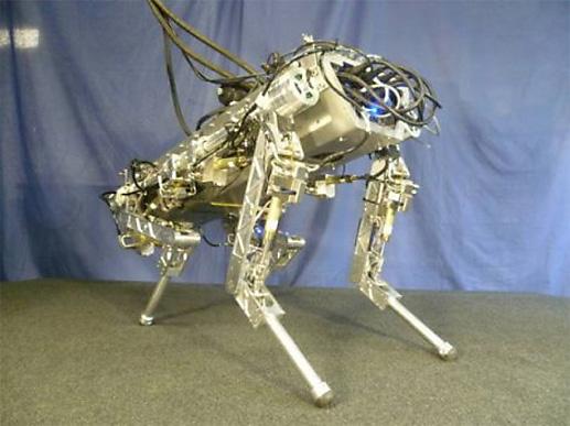 F1と同様の設計要件に基づいた油圧式自律ロボット